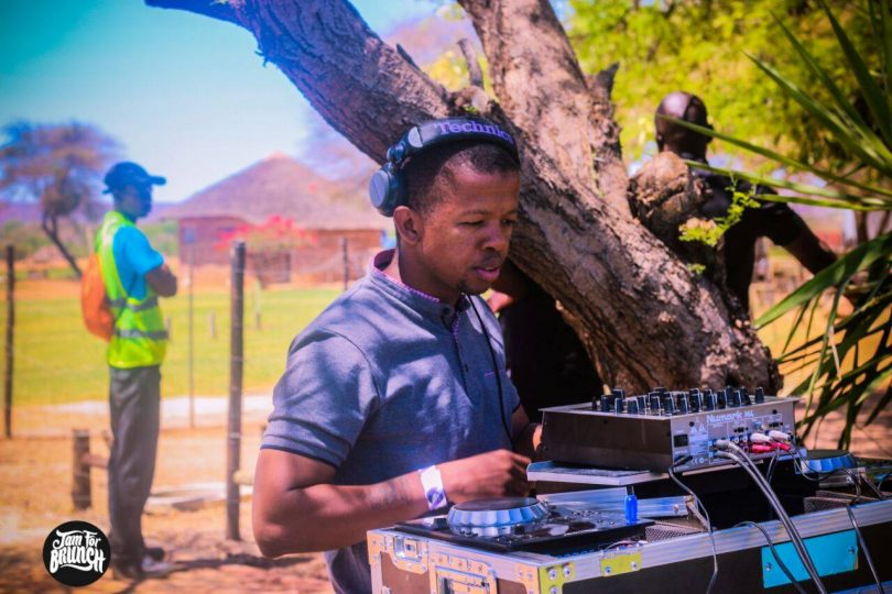 The dj took us to South America & the Congo with his set