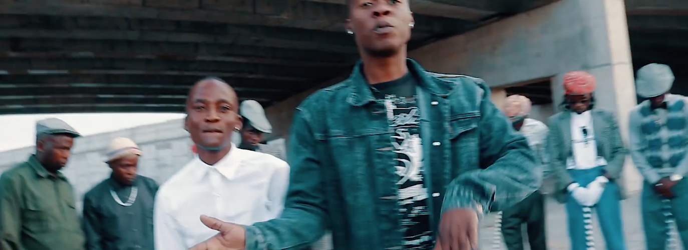 Watch Mzolla feat. Savage – Kgoba Kgetsi (Official Video)
